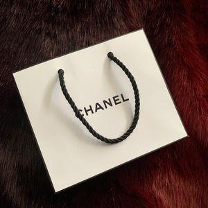 small chanel shopping bag 🖤